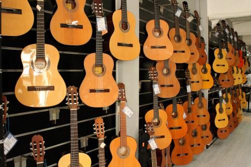 Guitarras acústicas en Musical Mataró, tienda de instrumentos musicales en Mataró