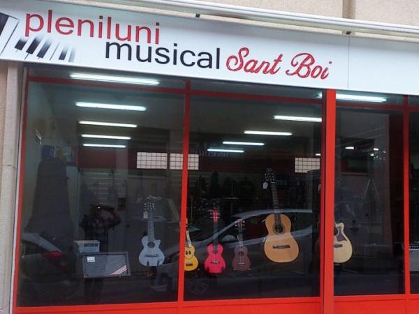 Pleniluni Musical, tienda de instrumentos musicales en Sant Boi de Llobregat